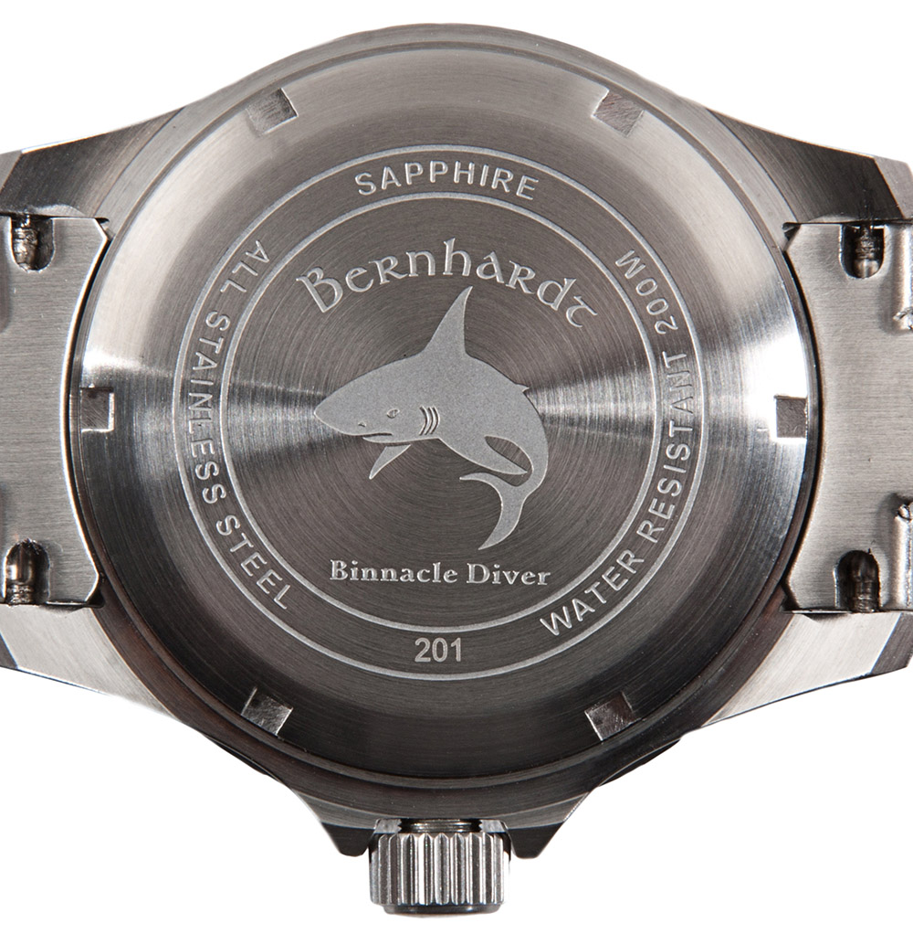 bernhardt binnacle diver review - caseback