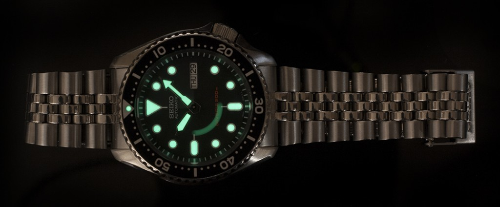 Seiko SKX007 Review - Lumibrite Lume