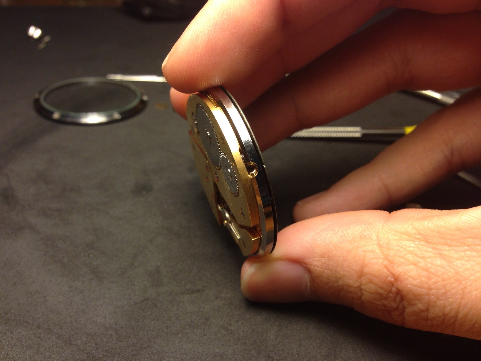 How to build your own mechanical watch - install the movement adaptor
